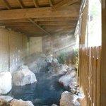 朝日が入る露天風呂。
