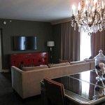 Living Suite 803