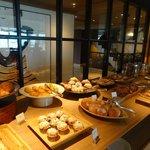 Grand Club lounge - breakfast
