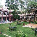 Courtyard Garden & Restaurant