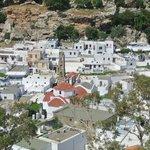 le village depuis la montée à l'acropole