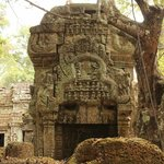 храм, кстати, сейчас реставрируется