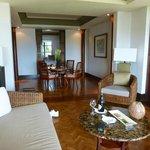 Loungein one bedroom deluxe suite