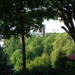 "Blick vom Balkon des Zimmers ""Brandenburger Tor"""
