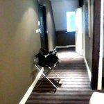 Long couloir de la chambre