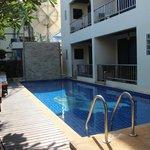 JJ Residence - Bâtiment A - piscine