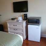 Room 308 - TV, fridge, microwave