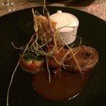 Pigeon cuit au foin, tian de légume revisité, gauffre de pomme de terre