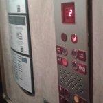 Poor elevator