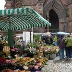 mercato in piazza