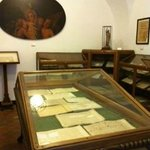 Museo Belliniano, una sala con le vetrine