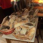 il nostro pane sfornato tutti i giorni dal forno a legna