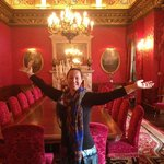 The famous red room where royalty and celebrities have dined