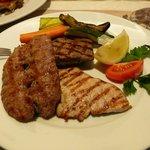 Мясо разных видов на гриле