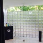 jade room outdoor shower