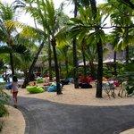 Espace détente (et zone wifi) dans le jardin de l'hotel