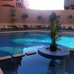 La piscine de l'hôtel (pas chauffée)