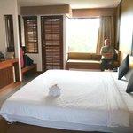 Room 503 -large room  vast bed