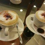 Cappuccino's Cafe Foto