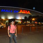 the huge mall of asia