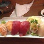 6 piece sushi amazing!