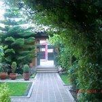 jardin en la entrada