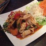 timtenfisch mit aubergine / gemüse