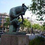 ランブラ・ダ・カタルーニャで出合った「考える牛」