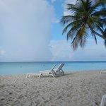 La plage, avec arc-en-ciel