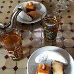 Thé et pâtisseries orientales
