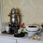 słodycze oraz herbata i kawa w lobby