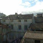 Chambre numéro 9 avec vue sur les toits