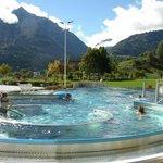 le montagne che circondano le piscine