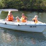 Vi sejler med energi fra solen - GreenWave båden er til forureningsfri sjov og hygge