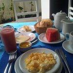 Delicioso y fresco desayuno. Todo casero!