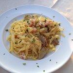 Tagliolini with prawns and artichokes