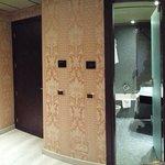 ingresso camera e bagno (112)