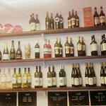 E con il caldo, per voi ,Una vasta scelta scelta di vini bianchi,bollicine e champagne ...