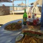 Photo de Buzzha Beach Restaurant