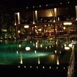 restaurant night lighting
