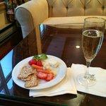 Wine reception includes champagne