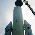 Montage de l'ogive sur le corps de la fusée