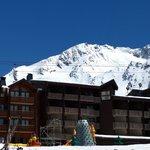 L'hôtel vu depuis la terrasse du Face West le 4 mai 2014