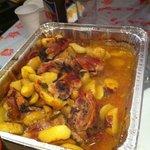 Un piatto cucinato utilizzando i fuochi a disposizione