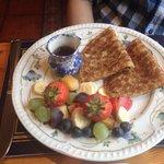 pancakes con frutta fresca
