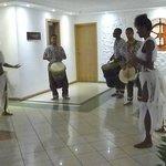 Musik-oder Tanzgruppen kommen ins Hotel
