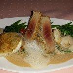 Ein Genuss nicht nur für den Gaumen -  eine Variation von Edelfischen auf Pfifferlingsrisotto, g