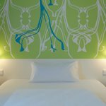 B&B Hotel Paderborn - Zimmer mit französischem Bett