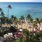 Aussicht vom Balkon auf die Waikiki-Beach