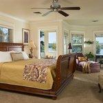 Romance King Suite